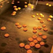 Image: pinterest.com.au/MOONABEANS/ Yuzu bath Japan Japanese culture onsen