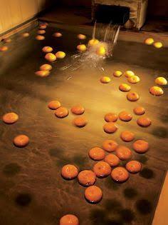 Image: pinterest.com.au/MOONABEANS/ Yuzu bath Japan Japanese culture onsen